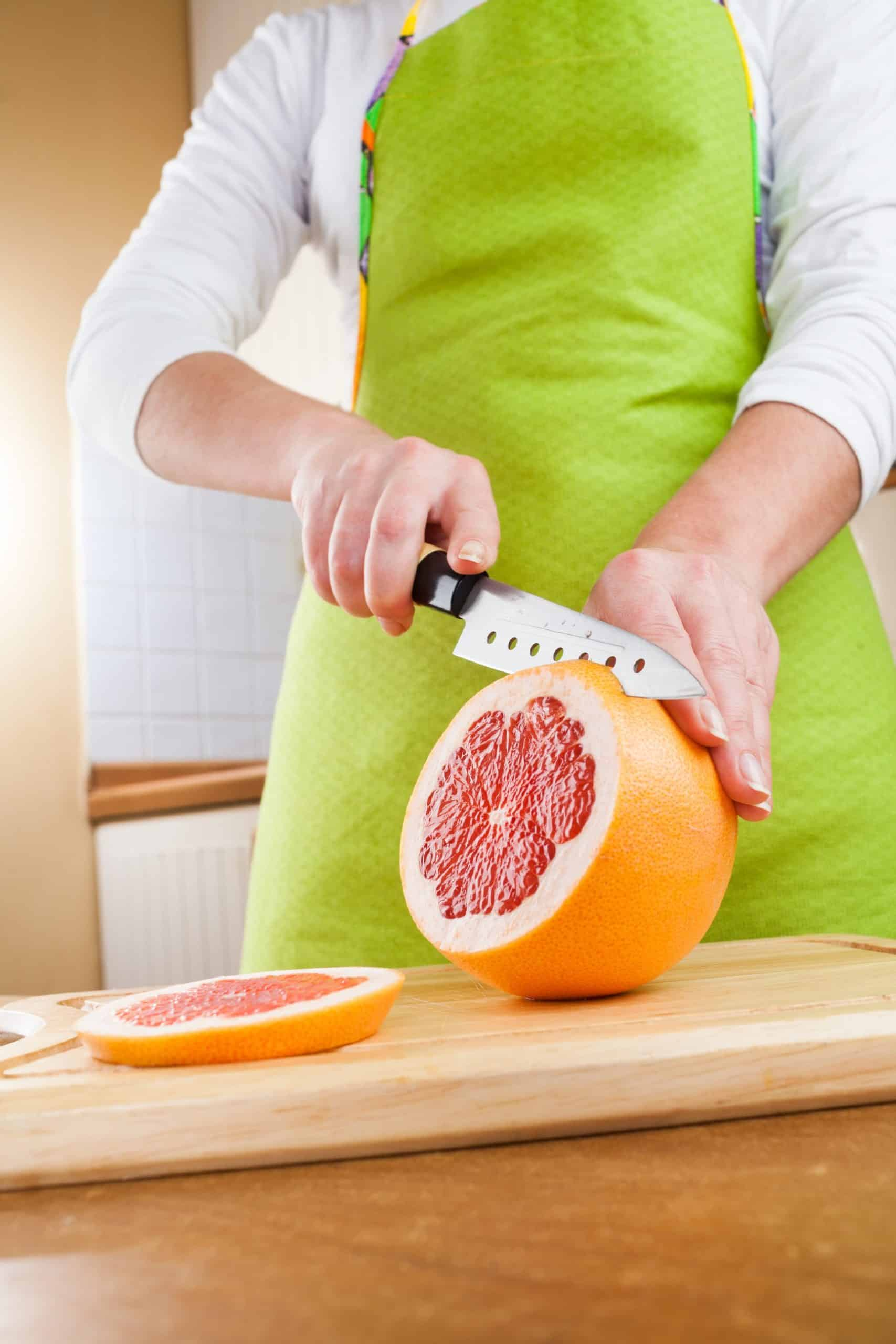 How Does The Grapefruit Diet Help?